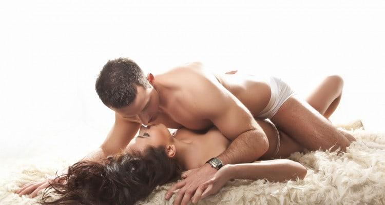 Una pareja teniendo sexo sin compromiso